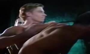 Beefy homo spy dicked passionately in enemy enclosure