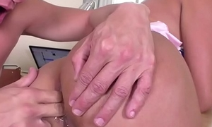 Latina TS Bella gets analed by her bf