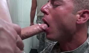 Wanking stud drilled by muscular soldier