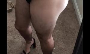Round bubblebutt ass in leggings