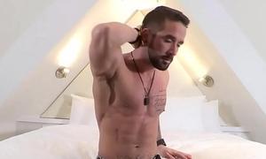 Gay Dude masturbates in friend'_s bedroom