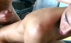 WHO KNOW Discombobulate a discard GUY WITH FANTASTIC CUMSHOT?VERY POWERFUL CUMSHOT