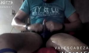 ValesCabeza209 PIG Urinate sox &amp_ speedo