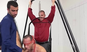 Hunky blindfolded guy fucked wide of his junior colleague