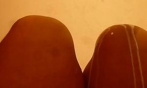 Leche en mis piernas